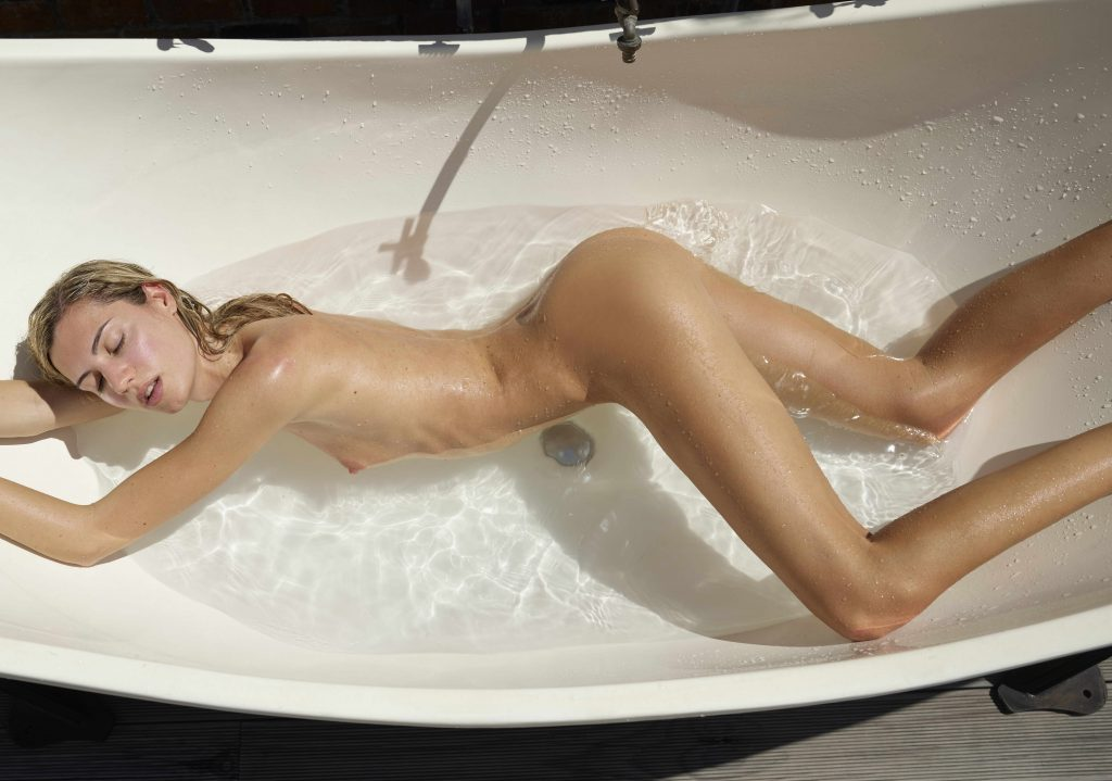 cheap London escorts - naked in the bathtub